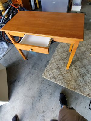 Nice desk table for Sale in Redmond, OR
