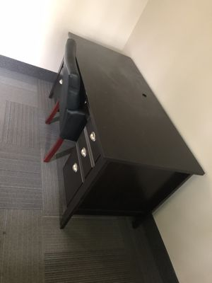 Office Desk for Sale in West Bloomfield Township, MI