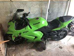 2008 Kawasaki 250 ninja motorcycle for Sale in Upper Marlboro, MD