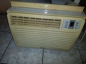 Samsung air conditioner..10500BTU for Sale in Huntington Park, CA