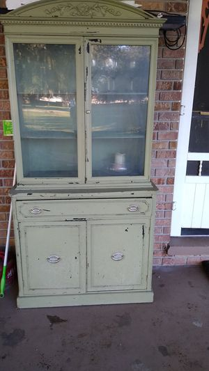 Cabinet for Sale in Bartow, FL
