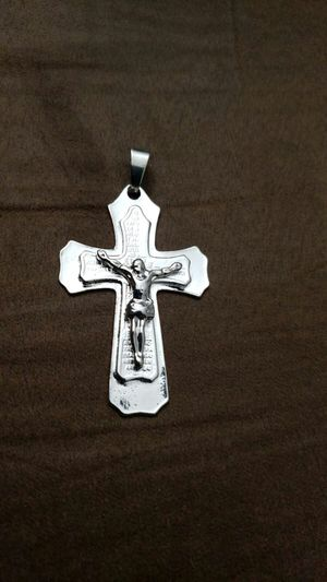 New men's and American fashion men's cross pendant fast And necklace for Sale in Moreno Valley, CA