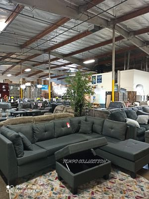 BLACK FRIDAY DEAL, Grey Sectional with Chaise. for Sale in Santa Ana, CA