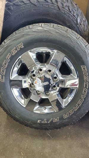 Chevy gmc 8 lug oem wheels for Sale in Aurora, IL