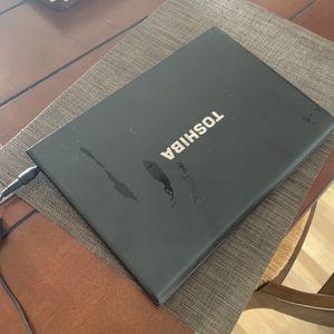Toshiba Súper Light Portable Laptop I5 for Sale in Miami, FL