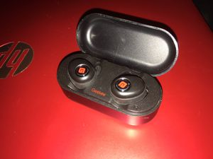 """Geeked"" wireless earbuds with charging case.... for Sale in Seattle, WA"