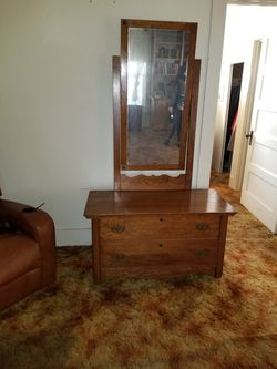 Beautiful solid Wood Oak Dresser with Mirror for Sale in Selma,  CA