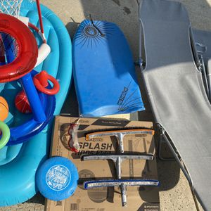 POOL SUPPLYS CHAIRS TOYS FLOATS BUNDLE for Sale in Bakersfield, CA