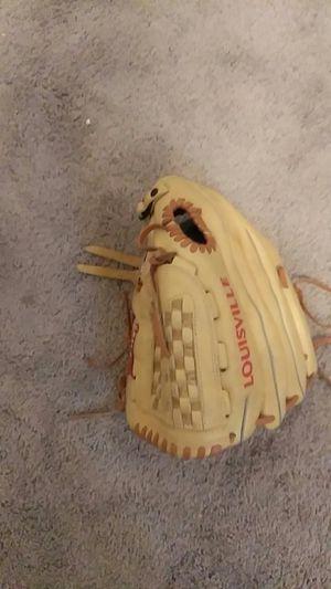 Louisville baseball glove for Sale in Georgetown, TX