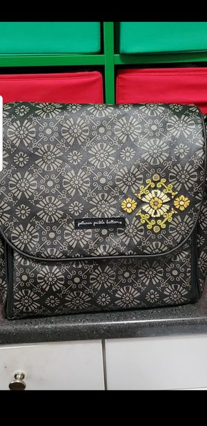 Free diaper bag with changing table purchase for Sale in Margate, FL