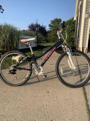 """Girls 2015 24"""" Trek MT220 Aluminum Mountain Bike for Sale in Hudson, OH"""