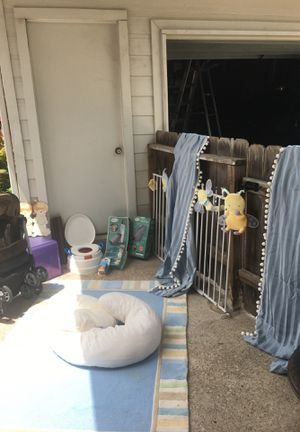 Baby decor and stroller for Sale in BROOKSIDE VL, TX