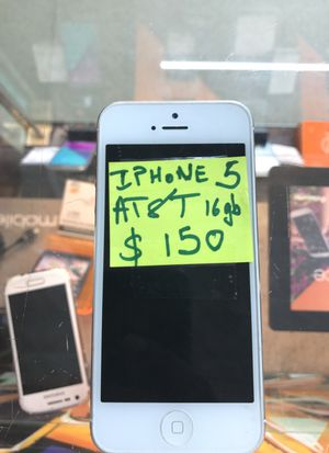 AT&T iPhone 5 ,16 gb silver for Sale in Cleveland, OH
