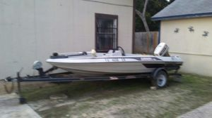 17ft. 89 skeeter bass fishing boat for Sale in LaCoste, TX