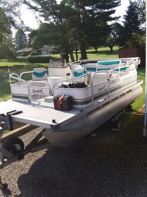 Pontoon Boat for Sale in Winfield, PA