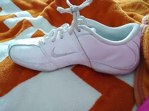 Nike white leather tennis shoe size 5.5 US for Sale in Austin, TX