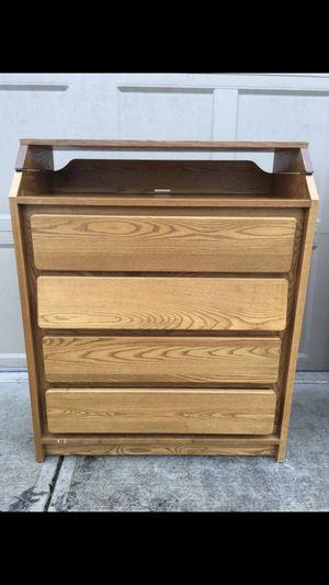 4 Drawer Solid Wood Desk for Sale in Clackamas, OR
