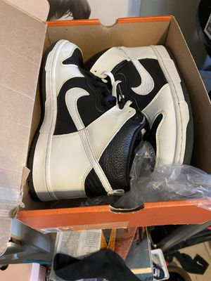 Nike Dunk stormtroopers 9.5 almsot DS for Sale in Oxnard, CA