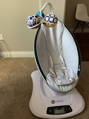 moms mamaRoo 4 Bluetooth-Enabled high-tech Baby Swing – Classic Nylon Fabric with 5 Unique motions for Sale in Phoenix, AZ