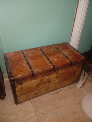 Antique trunk for Sale in San Angelo, TX