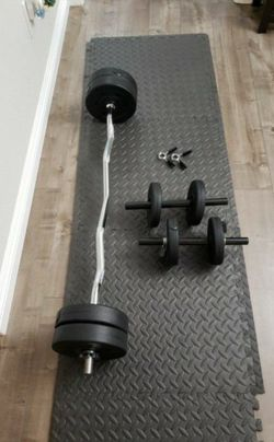 "47"" EZ CURL STANDARD Chromed Barbell & 40 LB VINYL Dumbbell Set for Sale in Irwindale,  CA"