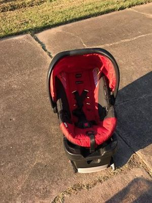 Infant britax car seat with base for Sale in Pasadena, TX