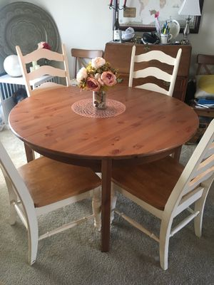 Shabby chic kitchen/dining room table with leaf and 6 chairs for Sale in Arlington, VA