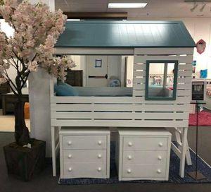 Twin size Loft Bunk bed 1 FREE MATTRESS for Sale in Las Vegas, NV