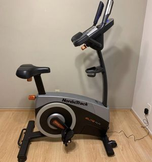 NordicTrack Elite 4.4 Indoor Upright Exercise Bike Cycling Gym Bicycle Stationary Fitness Workout for Sale in Diamond Bar, CA