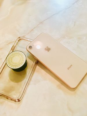 New Apple iPhone 8 64 GB && accessories for Sale in Lexington, KY