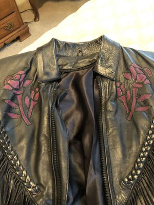Small leather set for Sale in Hensley, AR