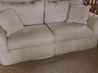 Creme Microfiber Couch for Sale in Snohomish,  WA