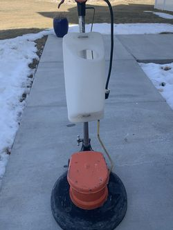 """Brunswick 17"""" Waxing Floor Buffer with Water Tank for Sale in Bluffdale,  UT"""