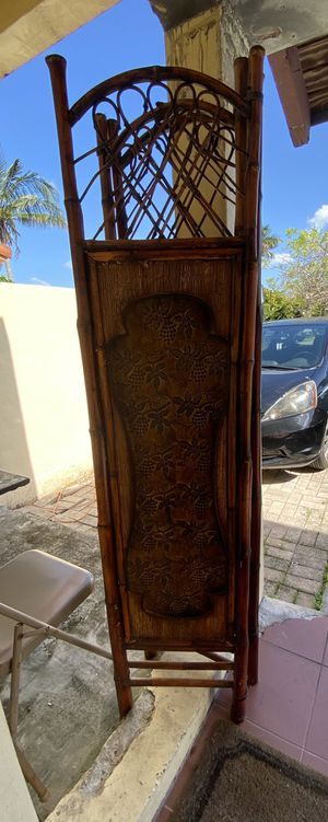 3 panel wood room divider for Sale in Miami, FL