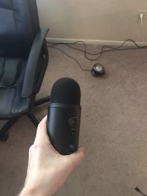 Blue yeti for Sale in Euless, TX