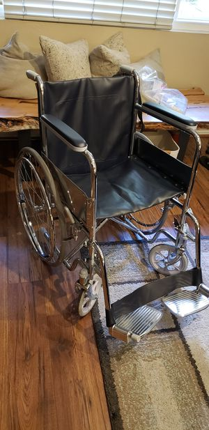Very lightly used wheel chair for Sale in San Diego, CA