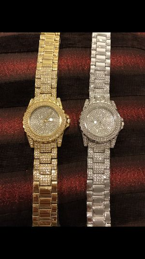 Unisex Gold plated Watch- 🤩ON SALE 🤩ONLY the Silver one is available for Sale in Houston, TX
