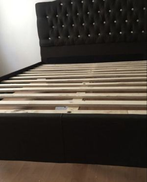 Brand new queen size platform bed frame (available in black and in grey) for Sale in Silver Spring, MD
