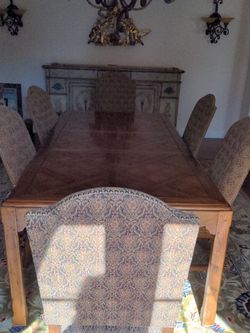 Dining Room Table with 8 Chairs for Sale in Battle Ground,  WA
