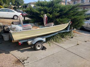12 ft aluminum boat w/ motor for Sale in Vallejo, CA