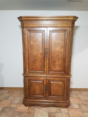 TV armoire/coffee bar for Sale in CORP CHRISTI, TX