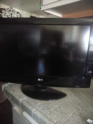 """32"""" LG TV for Sale in Fontana, CA"""