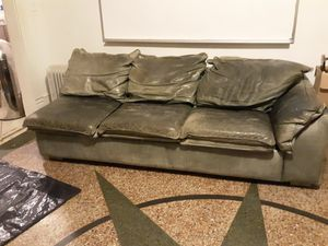 LEATHER CREATIONS sectional sofas with PULL OUT SOFA BED for Sale in Atlanta, GA