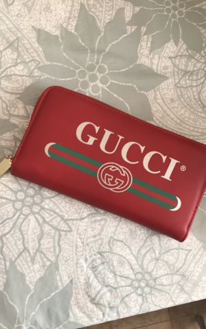 Gucci Wallet for Sale in Methuen, MA