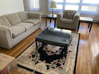 Living room set - pull out couch for Sale in Wilmington,  DE