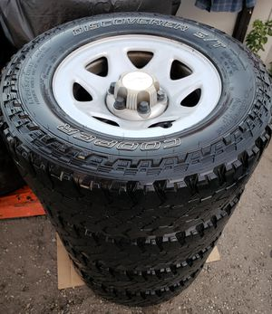 Chevy Silverado/Tahoe/Suburban/GMC/YUCON rims and tires ... ALL MATCHING LT 265/70/17 DISCOVER S/T COOPER TIRES 6 LUGS for Sale in San Bernardino, CA