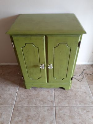 Green TV stand or night stand for Sale in Hemet, CA