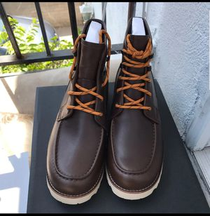 UGG AUTHENTIC MEN'S LEATHER BOOTS 8,10,13 for Sale in Silver Spring, MD