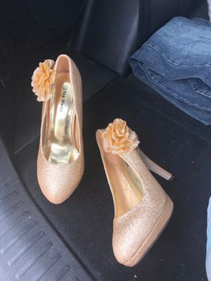 Gold high heels for Sale in Federal Heights, CO