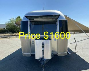 ✹This is an Airs-tream amazing looks. It large and roomy.✹ for Sale in Wichita,  KS